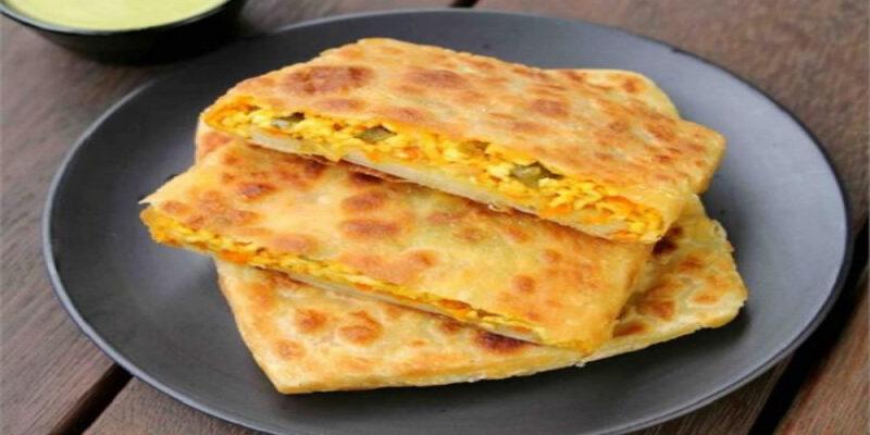 egg chicken mughalai paratha